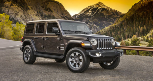 Jeep Wrangler Sahara model 2018 – čtyřdveřová pětimístná karoserie