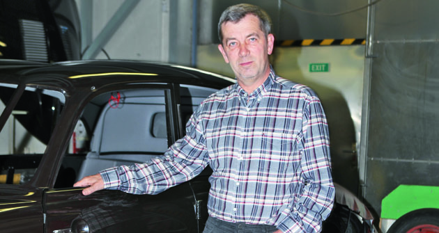 """""""Ipřesto, že uběhlo již více jak dvacet let, naEcorru Sport V8 se nedá zapomenout. Občas se kcelému tomu projektu vracím,""""  Ing.Vítězslav Hinner, zakladatel  amajitel společnosti Ecorra."""