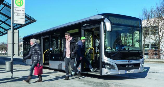 Zcela nový motor MAN D15 byl nejprve instalován jako pohon nových autobusů třídy MAN Lion's City.
