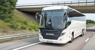 Výtvarné řešení Touringu má společné rysy s elegancí užitkových vozidel Scania