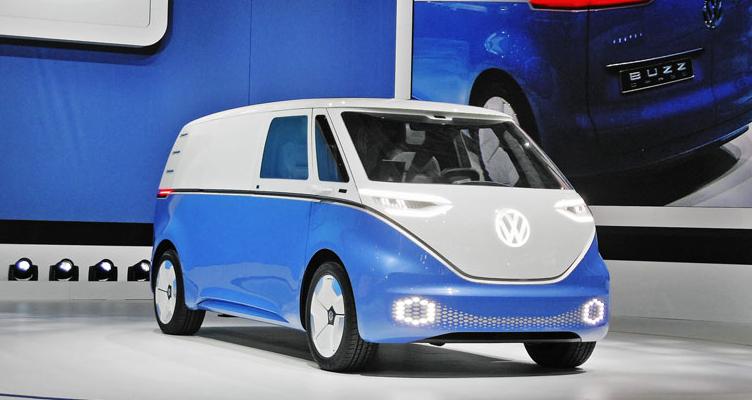 Co do vnějšího vzhledu je jedna z nejpohlednějších studií celého veletrhu napůl retro a napůl futuristickou interpretací starších vozidel značky.