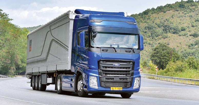 Při jízdě zkopce může řidič těžit zvýhody výkonné motorové brzdy spojené sintardérem.
