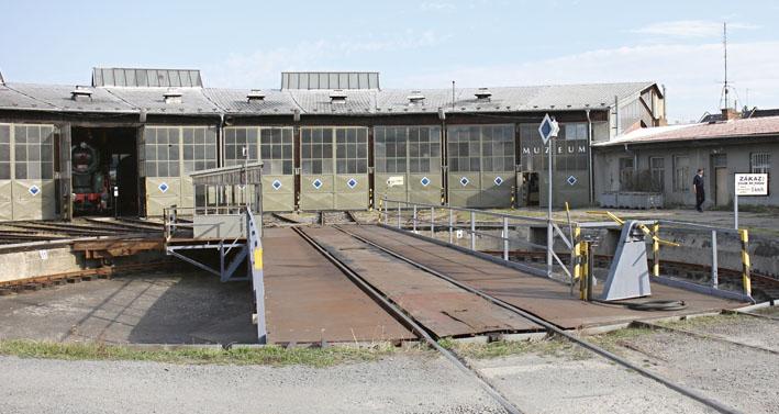 Železniční muzeum zatočnou.