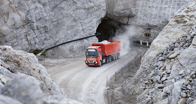 Přesně definovaný provoz těžebních nákladních vozidel je přesně ten typ provozu, který přímo volá poaplikaci autonomně řízených vozidel.