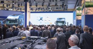 """""""Iveco je zacelou historii veletrhu IAA prvním výrobcem, který nemá nastánku jediný dieselový motor,"""" říká prezident značky Iveco pan Pierre Lahutte."""