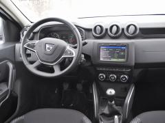 Dacia Duster – Přepracována byla i palubní deska, nově je kdispozici i Multimediální systém s navigací
