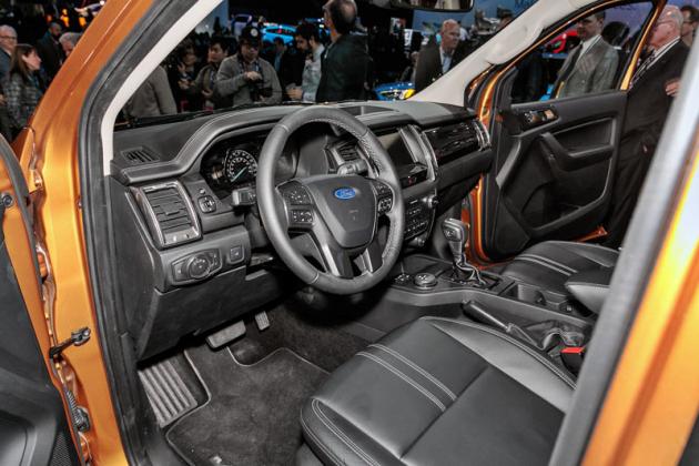 Komfort vnejvyšší úrovni výbavy je shodný sosobními vozy vyšší střední třídy
