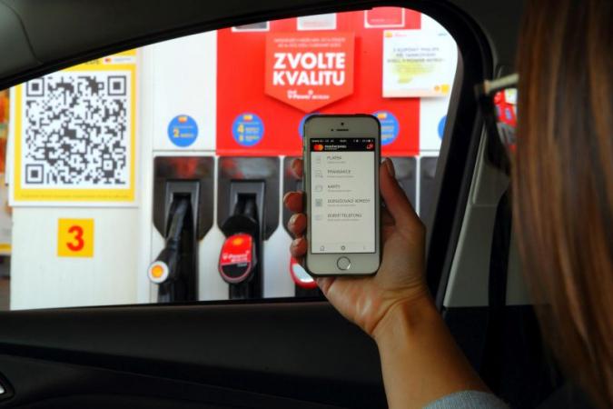 Dnes je možné zaplatit u čerpací stanice aniž by jste vystoupili z vozu.