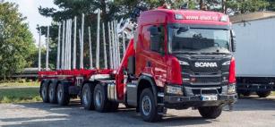 """Požehnaná"" leso-souprava s tahačem Scania G 500"