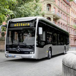 Hannover podepsal smlouvu na dalších 48 elektrických městských autobusů Mercedes-Benz eCitaro.