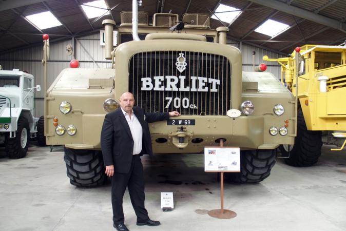 Auto článku Ing. Milan Olšanský a T 100 v areálu Foundation Berliet v Ain ve Francii. foto: fedor Lapšin.