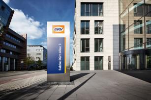 DKV má 25 % společnosti VAT Services.