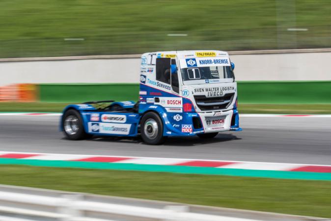 Jochen Hahn přivedl své Iveco znovu do cíle celé sezony na prvním místě. Získal tak šestý titul Mistra Evropy!