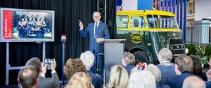 Profesor Pieter van Vollenhoven, člen nizozemské královské rodiny, v pátek 8. listopadu oficiálně otevřel nové Muzeum DAF.