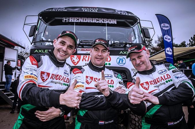 Gert Huzink se svojí posádkou povede na Rallye Dakar 2020 poprvé v historii ostrý kamion s hybridním pohonem.