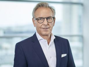 Stefan Buchner ze společnosti Daimler Trucks AG jde po 35 letech služby do důchodu.