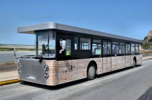 Obousměrný autobus Cobus DES
