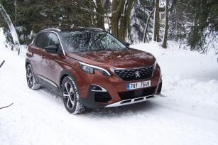 Peugeot 3008 1.2 Allure se svezl alespoň na malé vrstvě sněhu