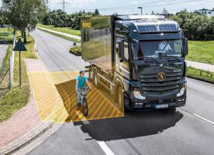 Systém asistovaného odbočování vpravo společnosti Continental, určený k dodatečné montáži, detekuje zranitelné účastníky silničního provozu pomocí radarového čidla.
