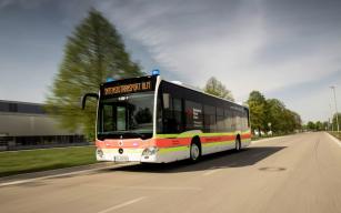Mercedes-Benz Citaro postavený v roce 2019 jako meziměstský autobus s prostorem pro 85 cestujících se dočkal proměny ve velkokapacitní ambulanci.