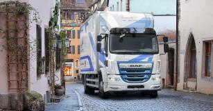 """DAF LF Electric představuje plně elektrické rozvážkové vozidlo pro městské aplikace s dojezdem nejméně až 280 """"kilometrů s nulovými emisemi""""."""