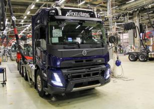 Byla zahájena sériová výroba nové generace těžkých nákladních vozidel Volvo Trucks.