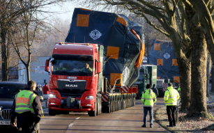 První tahač MAN TGX nové generace v provedení pro těžkou dopravu využila společnost W. Mayer GmbH & Co. KG ze Zweibrückenu při transportu 233tunového nákladu.