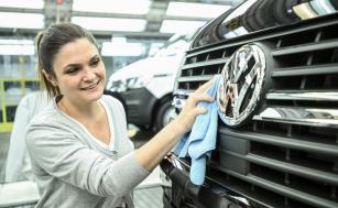 Dodnes vyrobil závod značky Volkswagen Užitkové vozy, Hannover-Stöcken, více než 10 milionů vozidel. V současnosti v něm vznikají modely T6.1 a v letošním roce bude spuštěna výroba nové generace T7.