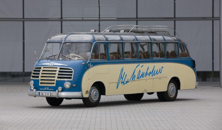 Model S 8 byl uveden na trh v roce 1951 a byl prvním vozem značky Setra