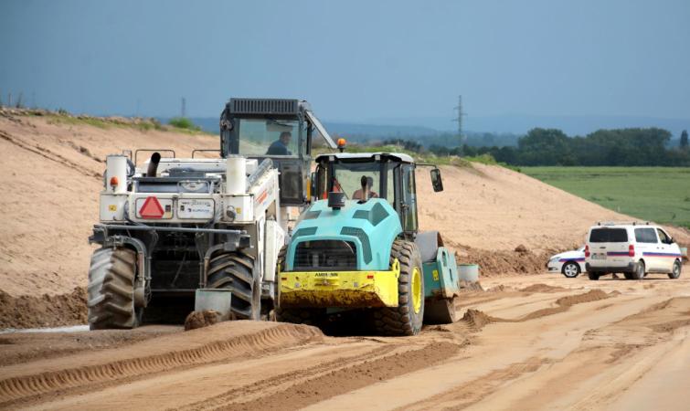 Dostavba dálnice D4 mezi Příbramí a Pískem formou PPP projektu může začít