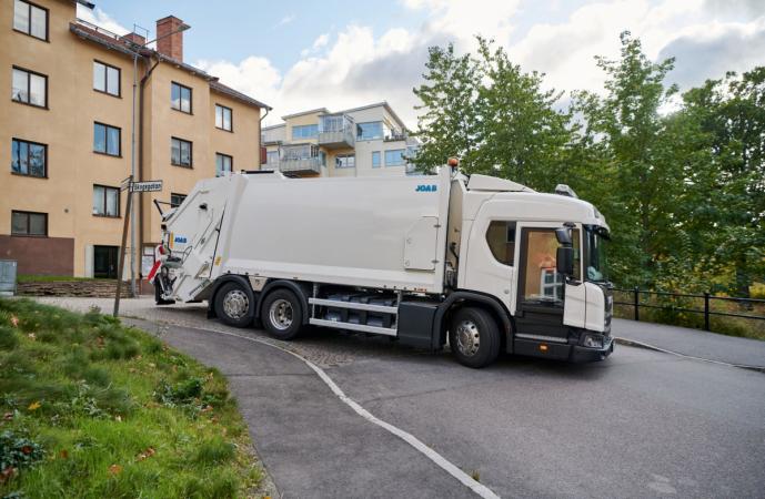 Scania City Door nabízí ještě pohodlnější nastupování ze strany spolujezdce a bezpečnostní výhody nízkopodlažní kabiny řady L.