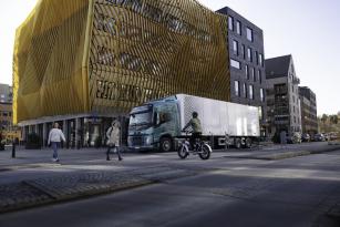 Společnost Volvo Trucks přidává svým elektrickým nákladním vozidlům zvukový bezpečnostní systém.
