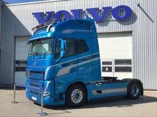 První objednaný tahač Volvo FH nové generace v České republice zamířil do společnosti Miloslav Holoubek.