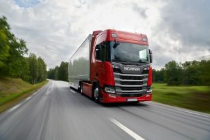 Scania hodnotí své hospodaření za první polovinu roku 2021