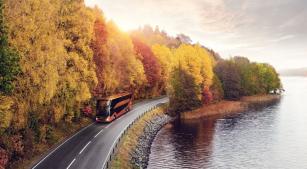Volvo 9700 DD je výsledkem spolupráce s finskou karosárnou Carrus Delta OY a řadí se po bok aktuálním modelům 9700 a 9900.