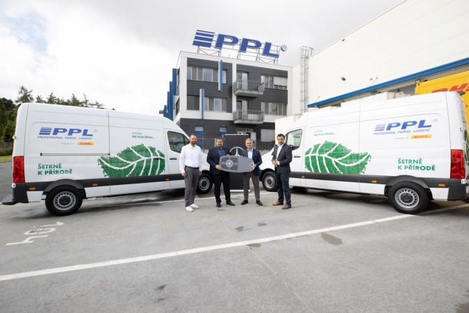 Mercedes-Benz rozšířil flotilu PPL elektromobily eSprinter