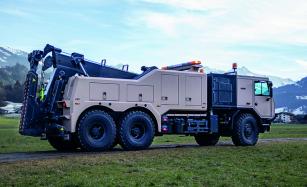 Vyprošťovací a odsunový automobil Bison na podvozku TATRA FORCE
