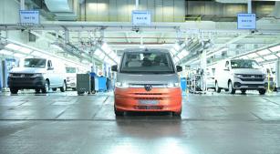 Volkswagen Užitkové vozy spustil sériovou výrobu nového Multivanu