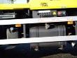 Vedle standardní nádrže na naftu je malá nádrž s objemem 26 l na AdBlue, která vystačí na 1500 km