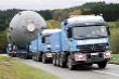 Súprava na prepravu veľkorozmerných a ťažkých nákladov s tromi Actrosmi,            každý s výkonom 598 koní